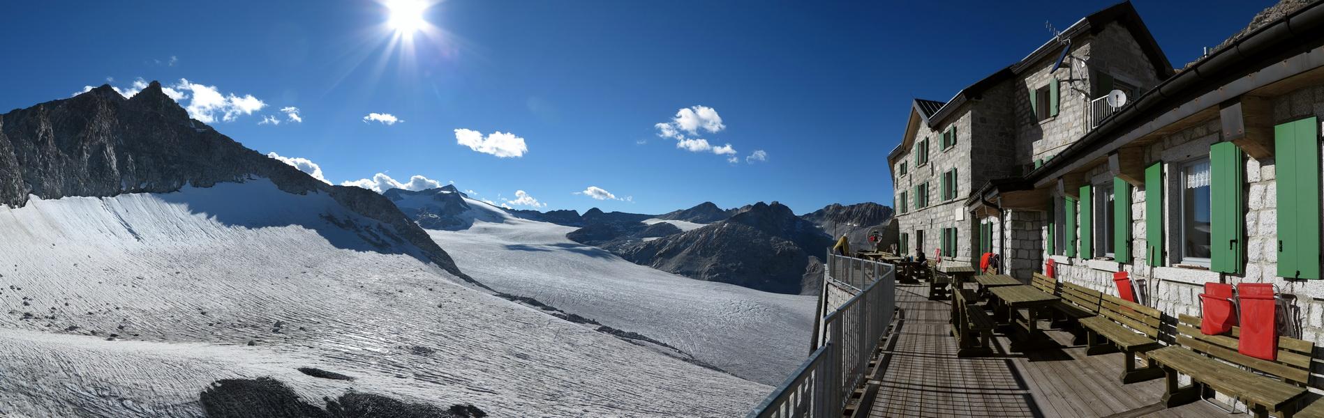 Blick von der Terasse der Lobbia Alta Hütte