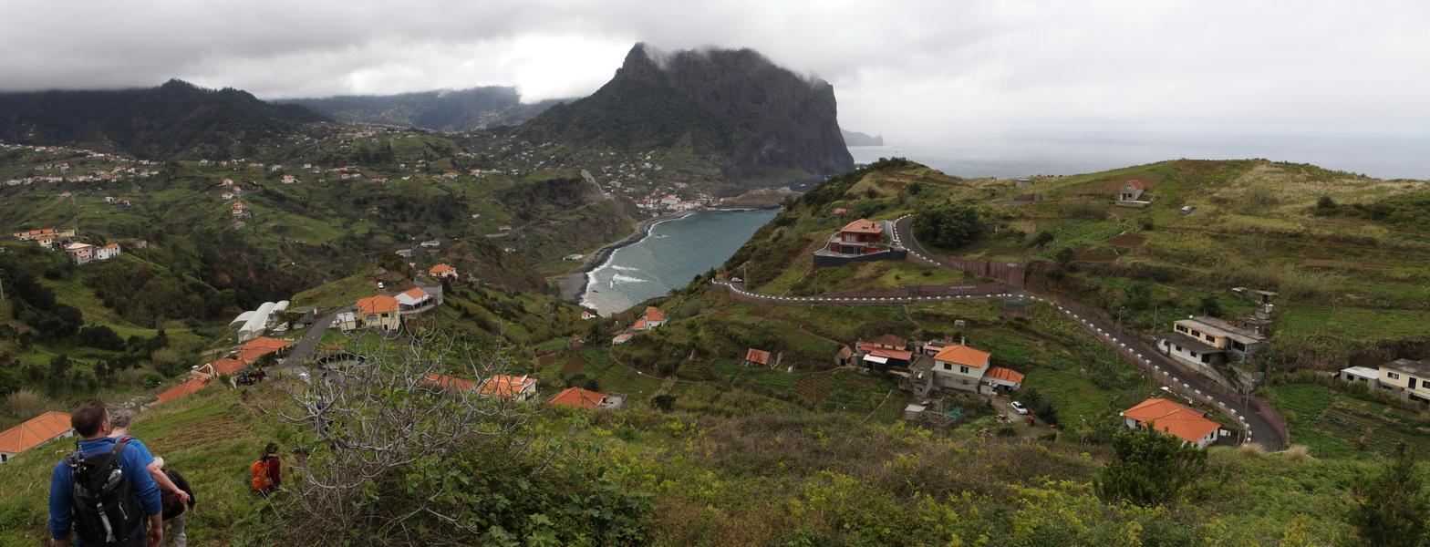 Oberhalb von Porto da Cruz