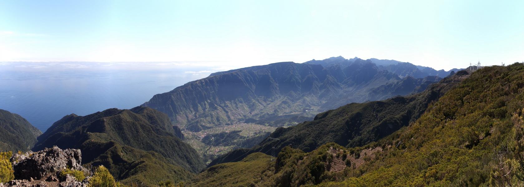 Blick vom Pico Ruivo do Paul 1640 nach Osten