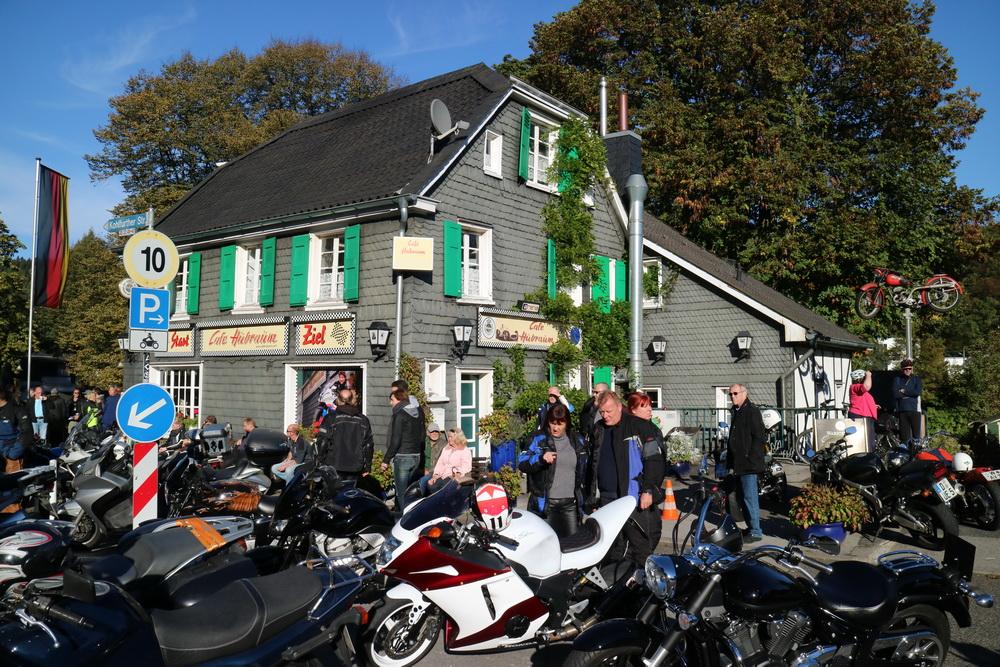 Mopedtreffpunkt Cafe Hubraum Kohlfurt