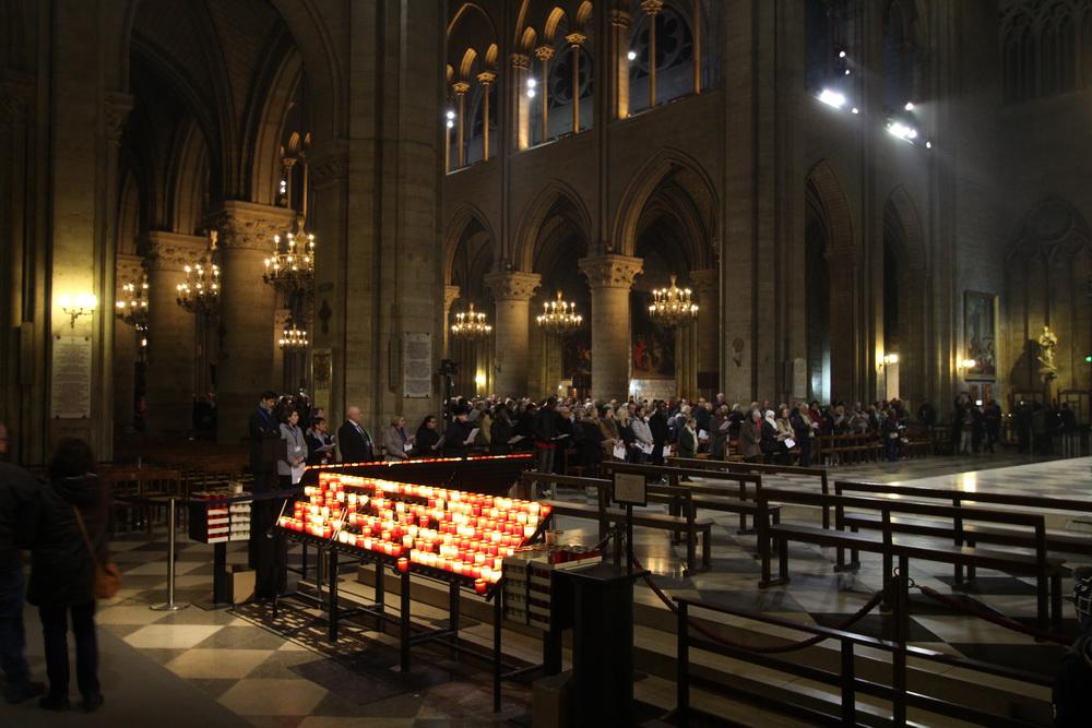 Vorweihnachtliche Abendmesse Notre-Dame