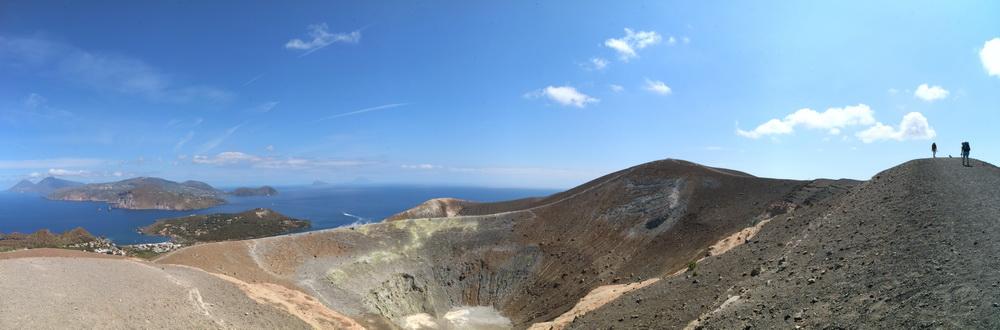 Vulcano Gran Cratere- Blick auf das ganze Archipel Richtung Norden