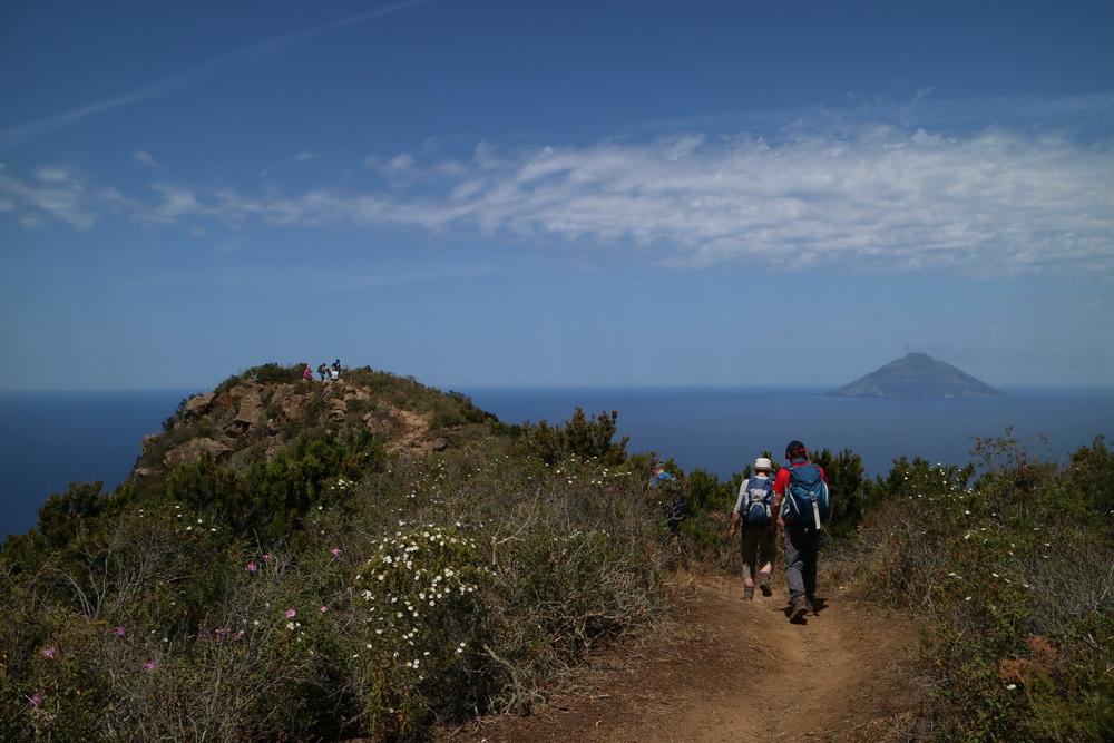 Punta del Carvo 421m- Panarea- Blick auf Stromboli