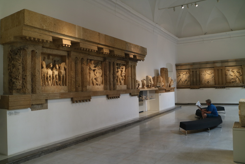 Tempelrelief Selinunte 5. Jh. v.Chr. - Archäologisches Museum Palermo