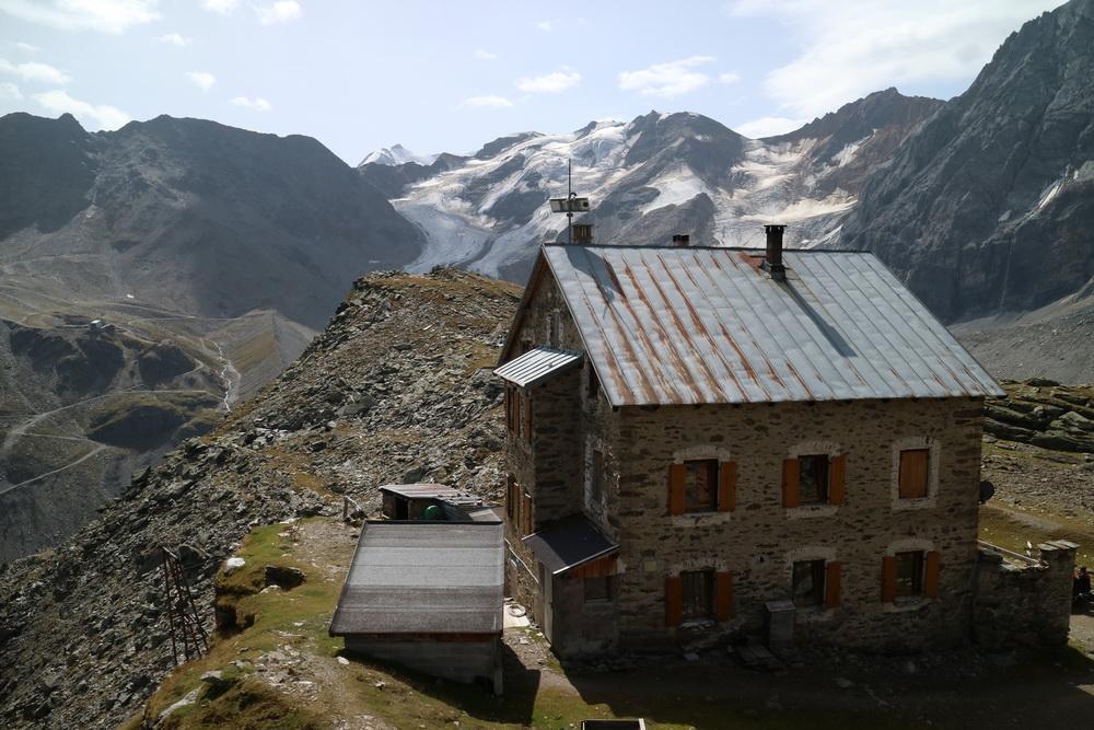 Hintergrathütte 2661m