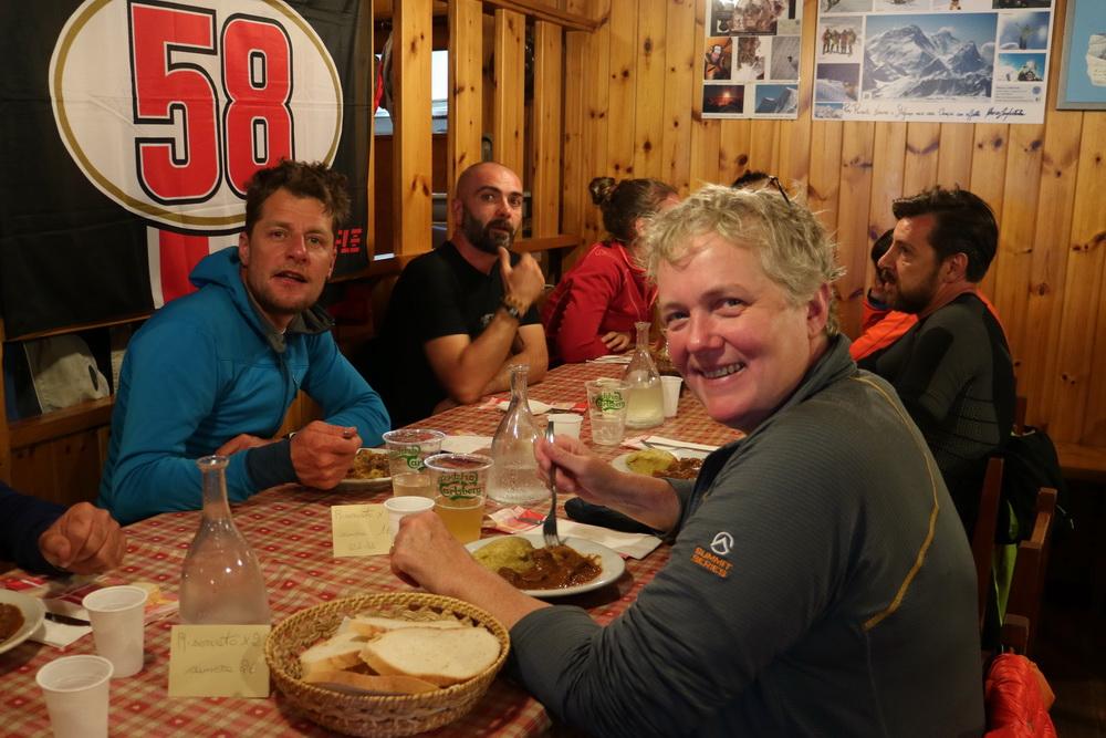 Abendessen auf der Casati Hütte