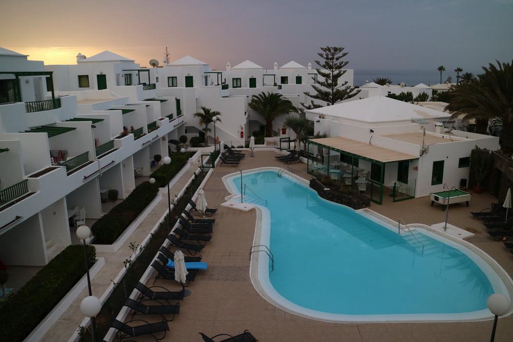 """Sonnenaufgang im Hotel in Costa Teguise mit Wettererscheinung """"Calima"""""""