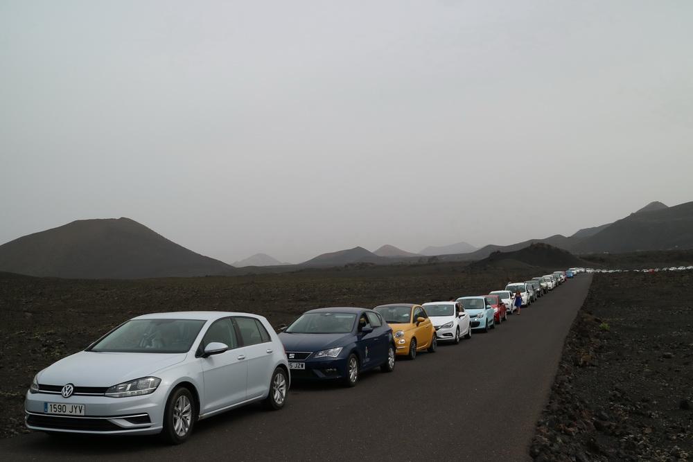 Verkehrsregulierung bei der Parkeinfahrt