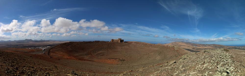 Castillo Santa Barbara auf dem Vulkan Guanapay