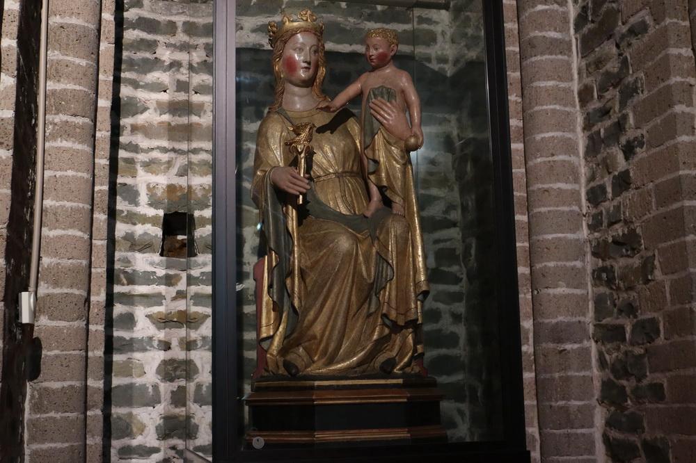 Madonna mit Kind (Bemaltes Holz 1300)