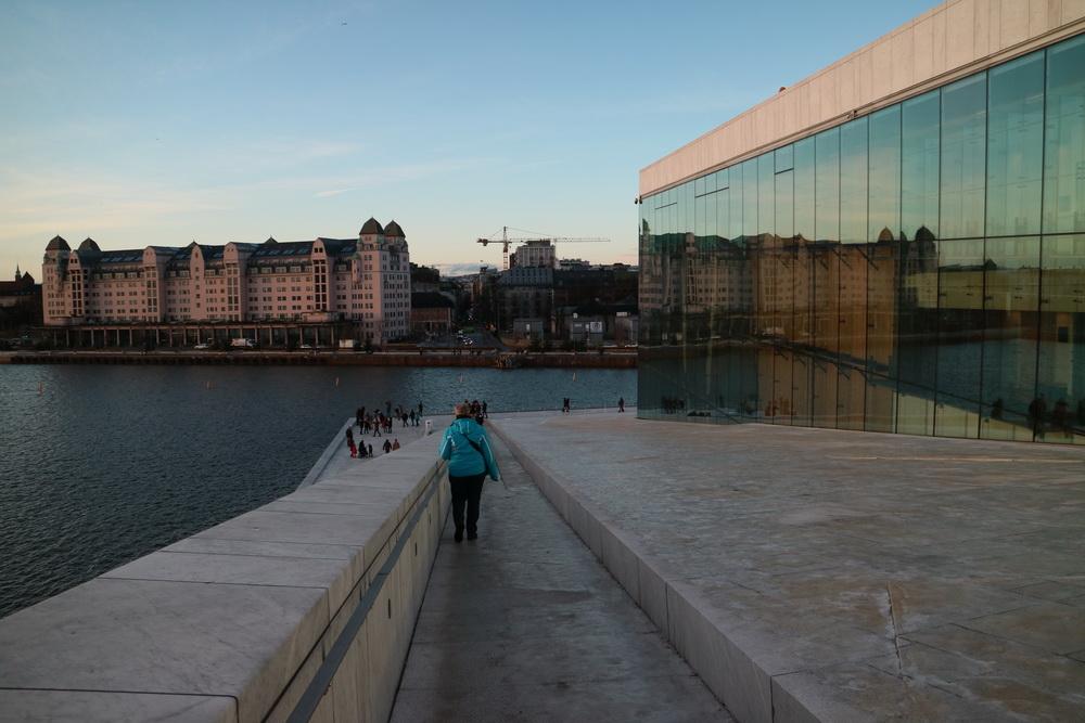 Am Opernhaus Oslo
