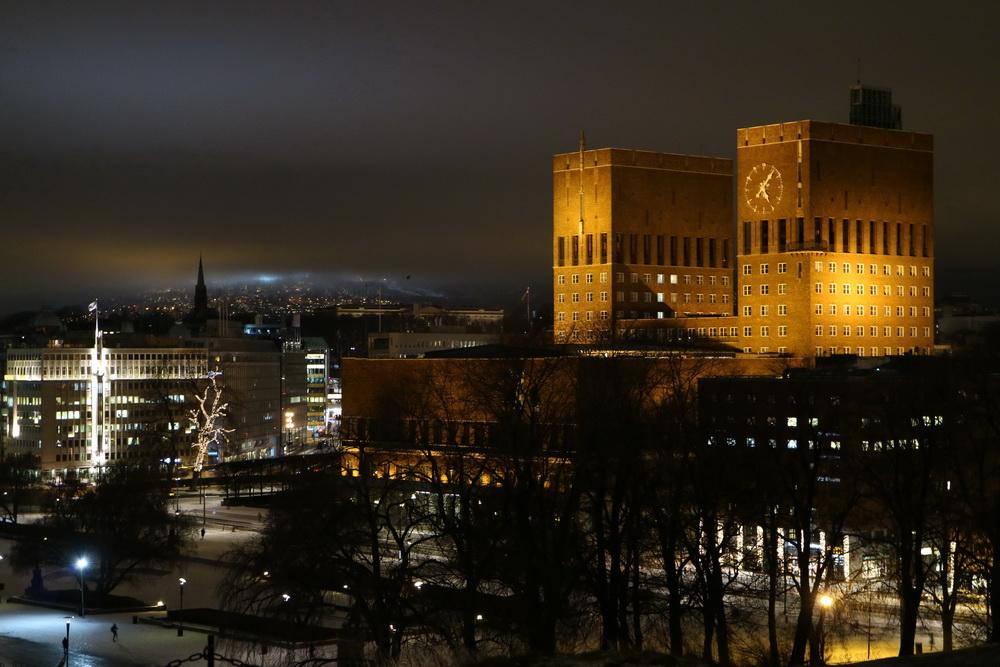 Rathaus mit Holmenkollen