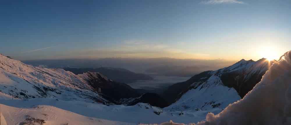 Sonnenaufgang über Kaprun- Blick aus der Krefelder Hütte 2295m