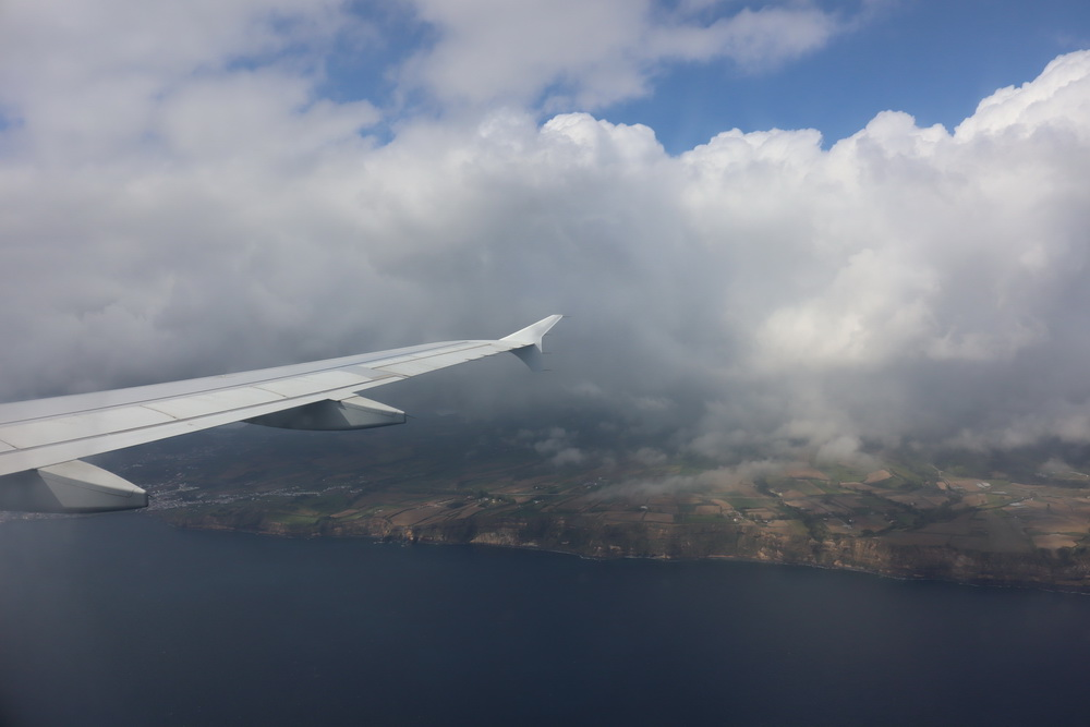 Anflug auf Ponta Delgada