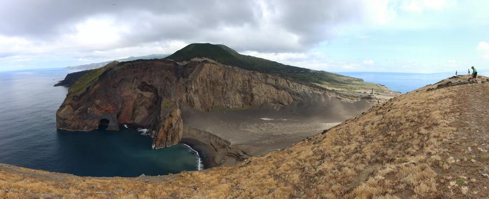 Auf dem Vulkan an der Ponta Capelinhos