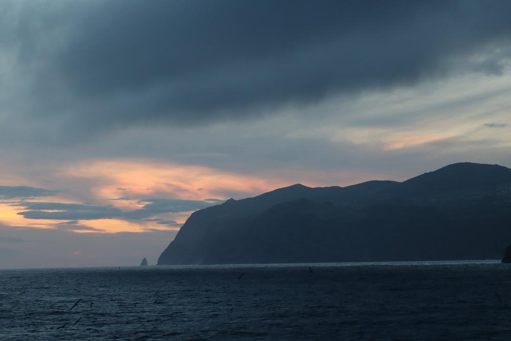 Sao Jorge SW- Küste bei der Überfahrt nach Pico