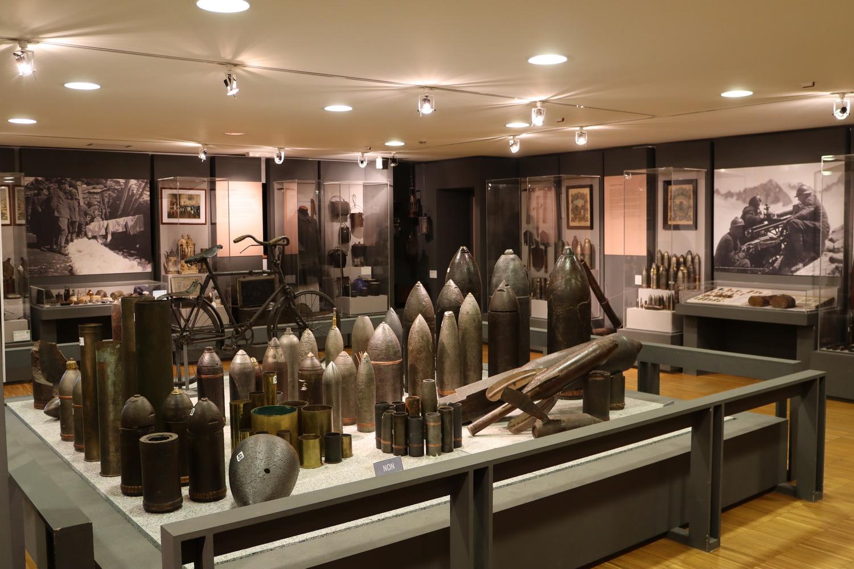 Weltkriegsmunition im Museum in Vermiglio