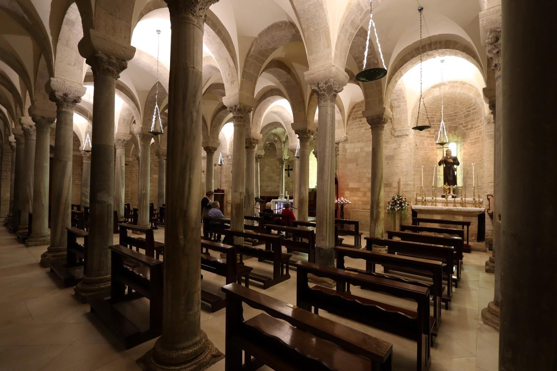 Hallenkrypta Santa Maria