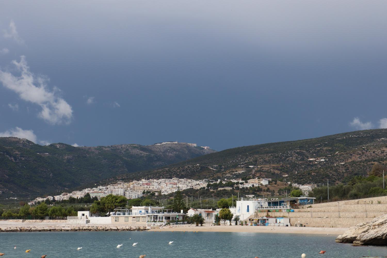 Mattinata Hafen- Auf dem Berg Monte Sant'Angelo