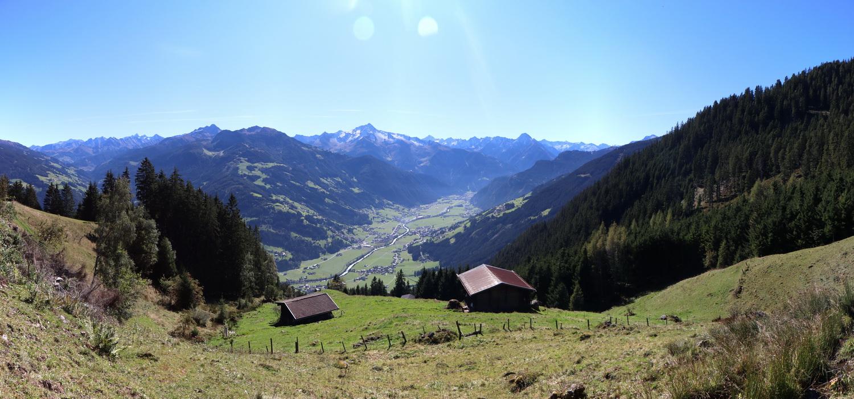 Blick ins Zillertal von der Zillertaler Höhenstrasse