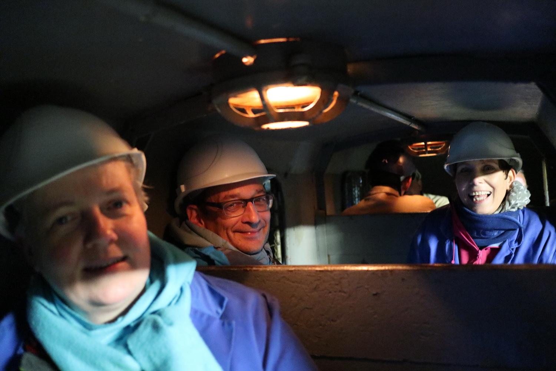 Einfahrt mit der Grubenbahn