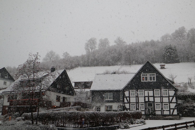 Der erste Schnee in Elpe