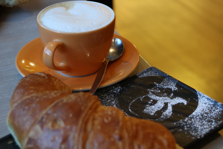 Frühstück in Much mit Kunst- Schneemann