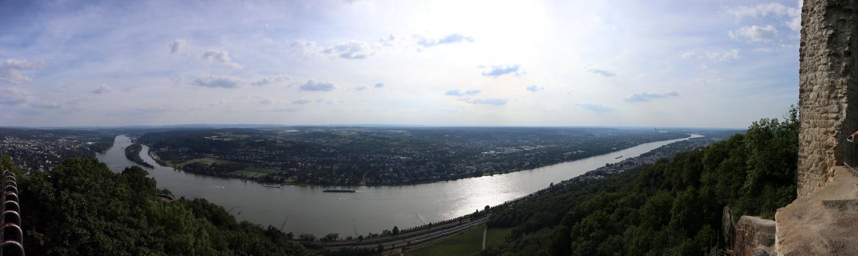 Rheinpanorama von Burg Drachenfels