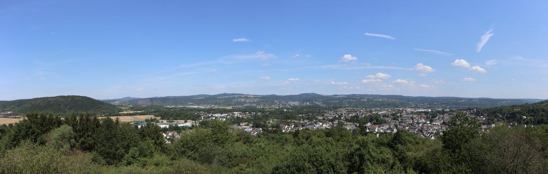 Blick vom Feltenturm auf Sinzig nach Nordost mit Siebengebirge