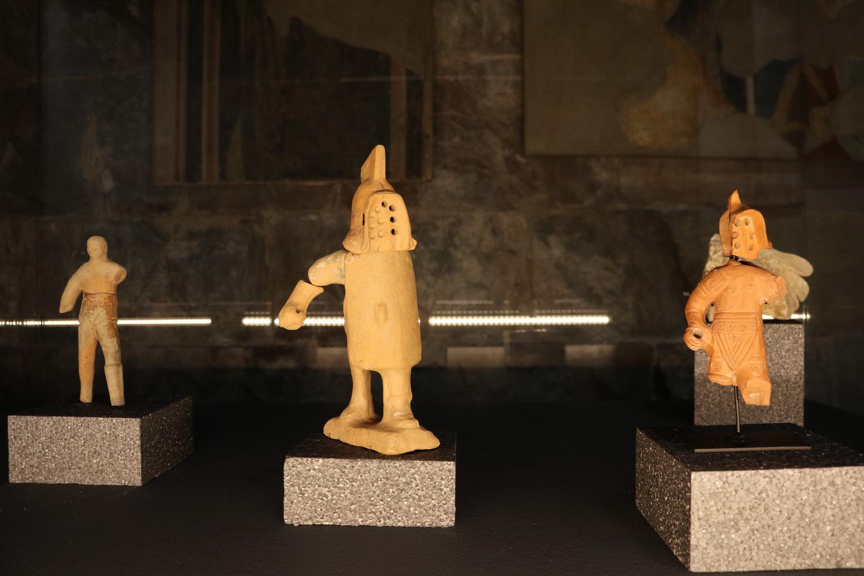 Terrakotta- Gladiatoren im Palazzo Ragone