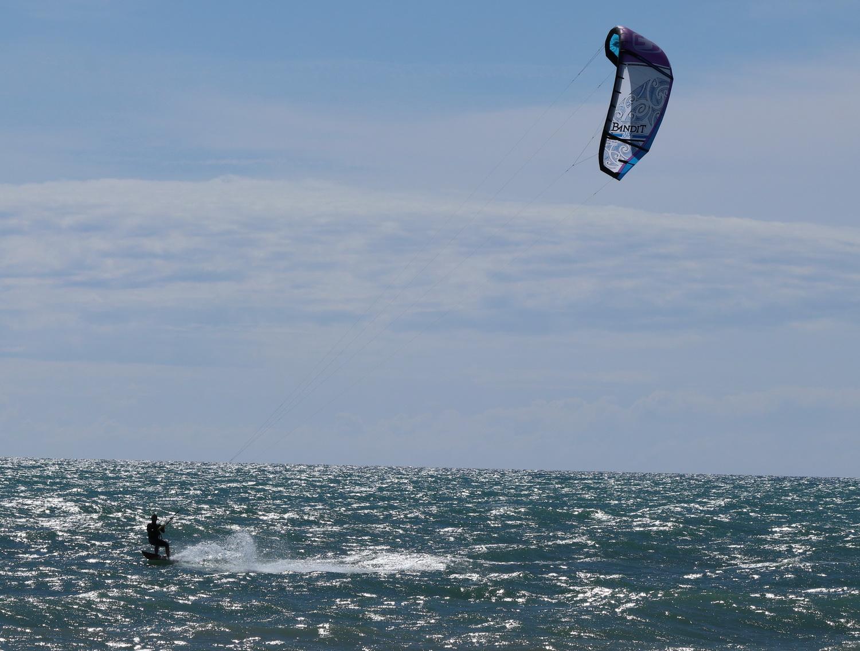 Kite- Surfer beim Windspiel