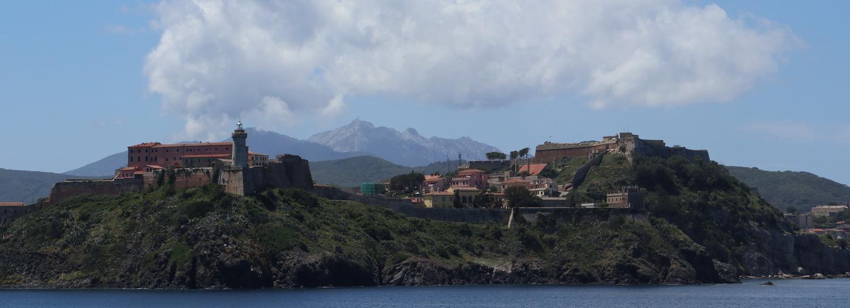 Festungen von Portoferraio mit Monte Capanne