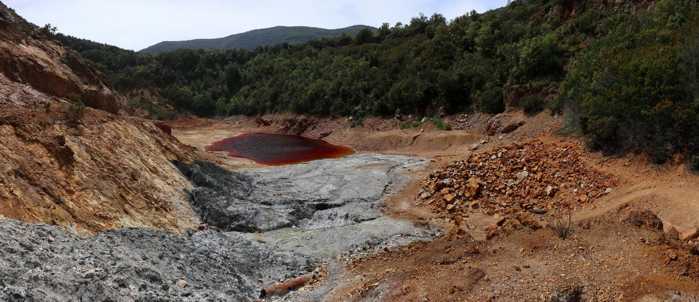 Relikt des Bergbaus- Laghetto Rosso Delle Conche