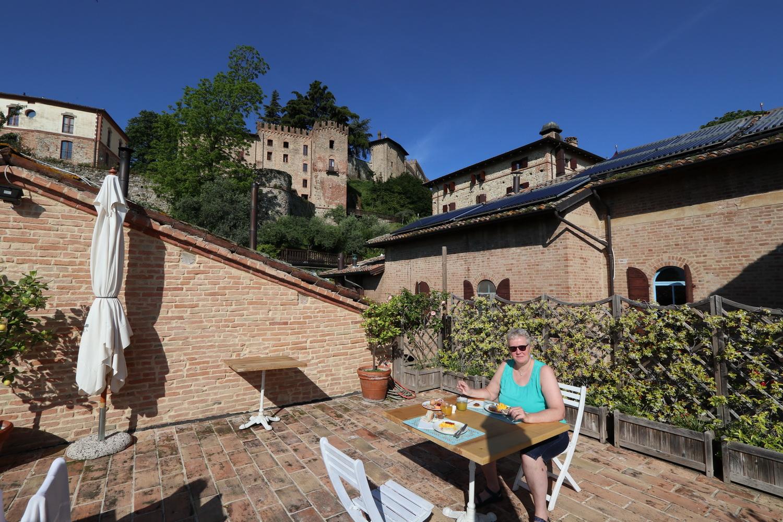 Burganlage mit Hotel