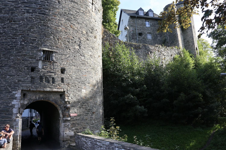 Tor im Eselsturm der Burg Monschau (1190)