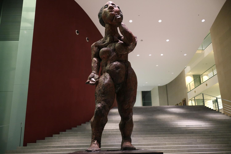 Die Philosophin - Foyer Kanzleramt- Markus Lüpertz 1998