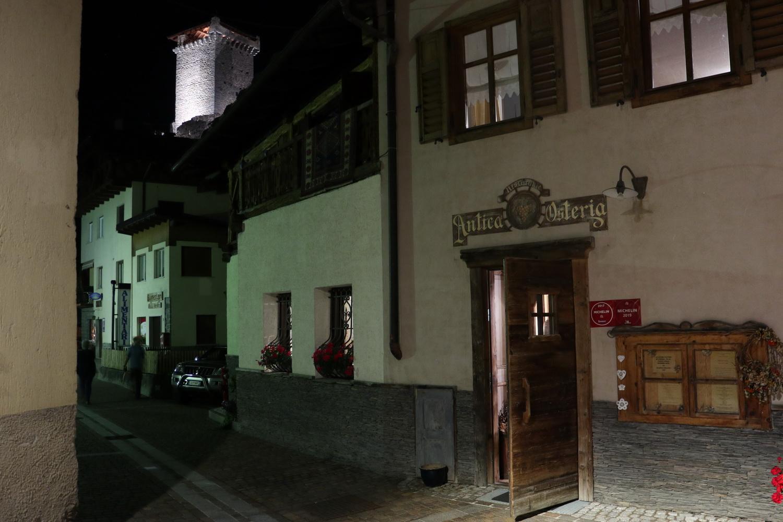 Antica Osteria Ossana mit Burg