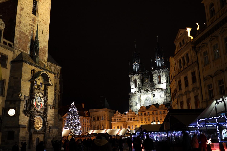Astronomische Uhr und Teynkirche am Altstädter Ring