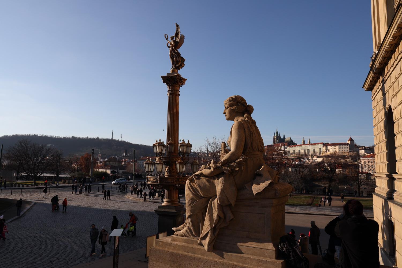 Blick vom Rudolfinum zur Burg