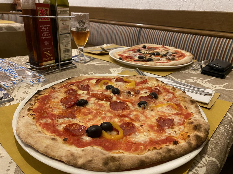 """Pizza im """"Dei Dossi"""""""