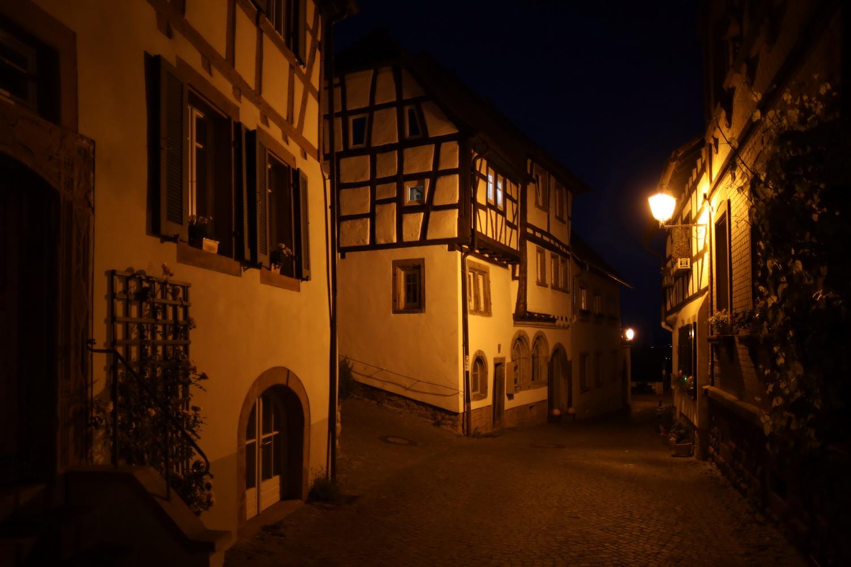 Abendstimmung- Gasse in Neuleiningen