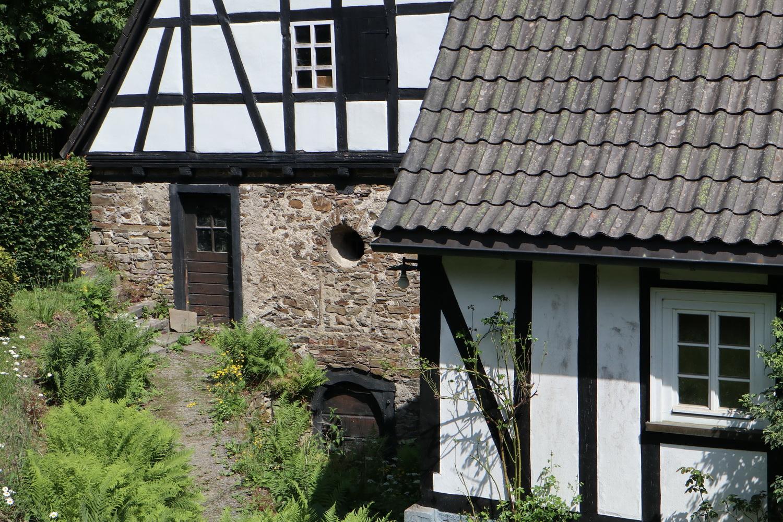 Fachwerk- Idyll neben Schloss Crottorf