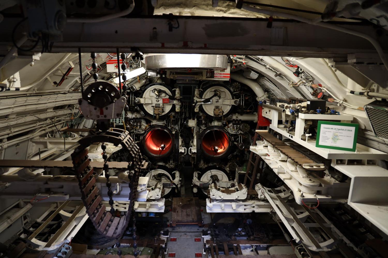 HMS Otus- Blick in den Torpedoraum am Bug