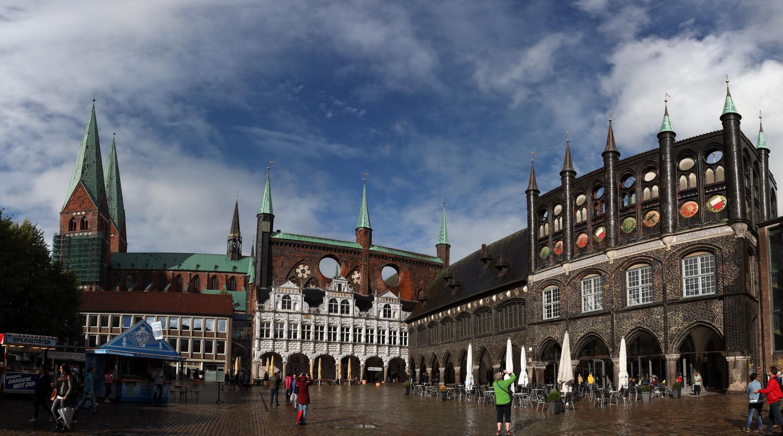 Lübeck- St. Marien und Rathaus- Komplex