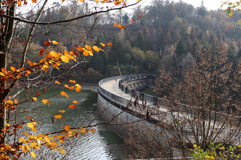 Staumauer Lingese-Talsperre