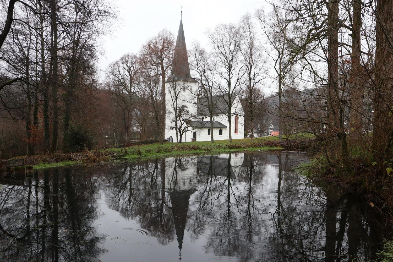Weiher an der Kreuzkirche Wiedenest