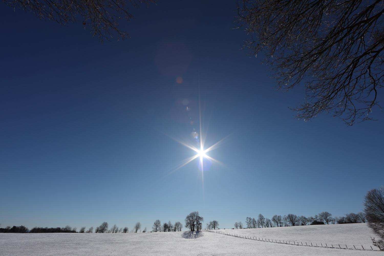 Wolkenlos im Bergischen Winter