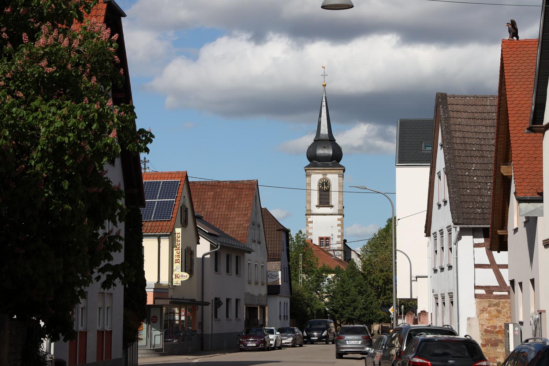 Weingarten Hauptstraße mit ev. Kirche