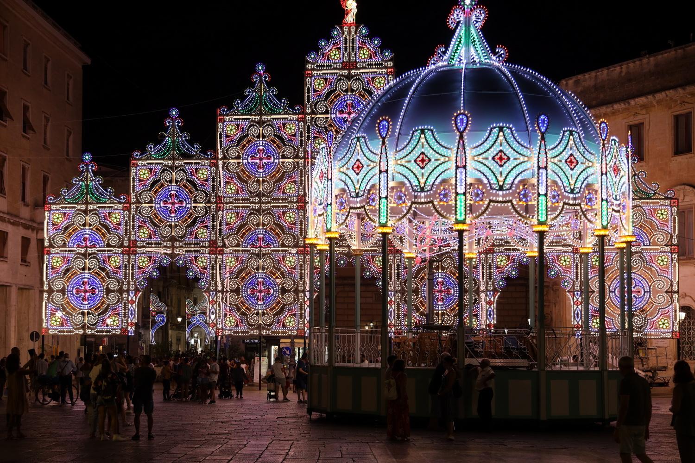 Patronatsfest- Beleuchtung an der Piazza Sant'Oronzo