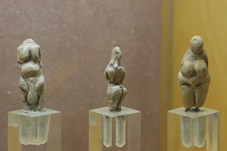 Maternale Darstellungen aus der Altsteinzeit